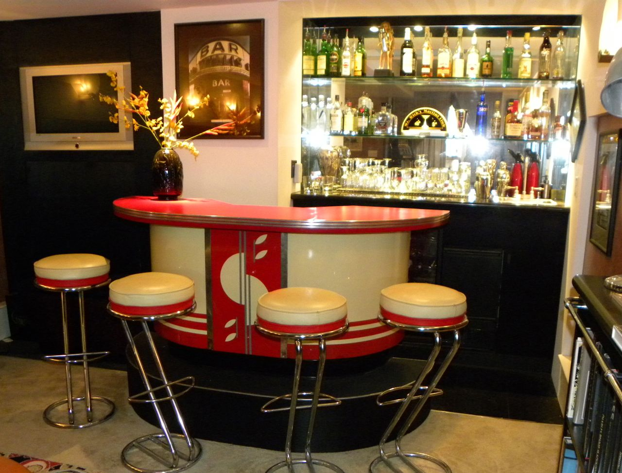 art deco streamline modern bar with matching stools bars. Black Bedroom Furniture Sets. Home Design Ideas