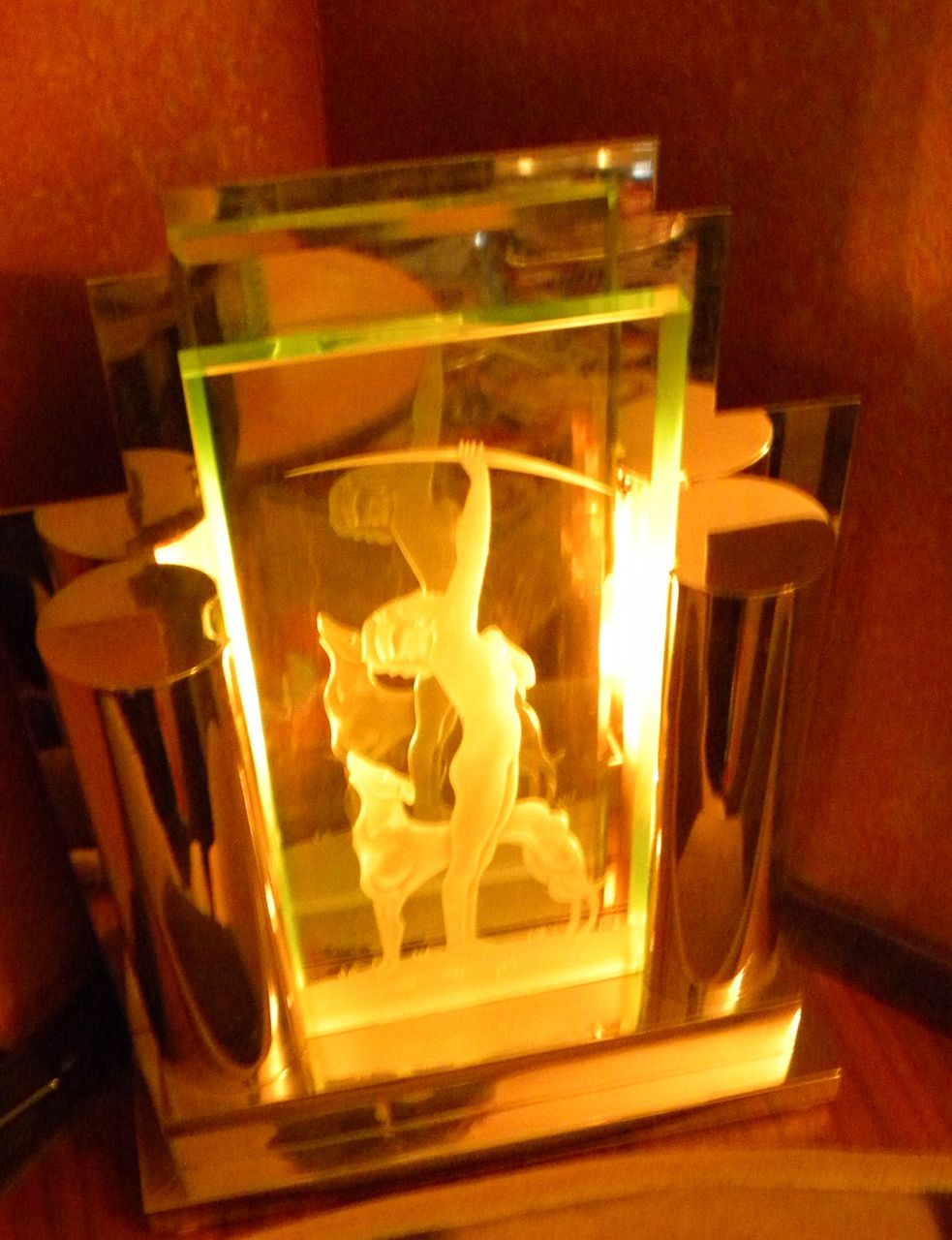 art deco lumiere desk light with diana etched woman figure. Black Bedroom Furniture Sets. Home Design Ideas