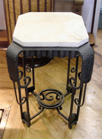 Fer forge iron console with matte marble top small for Table demi lune fer forge