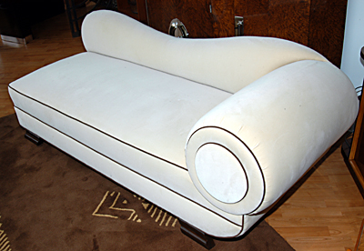 Day bed, fainting coach