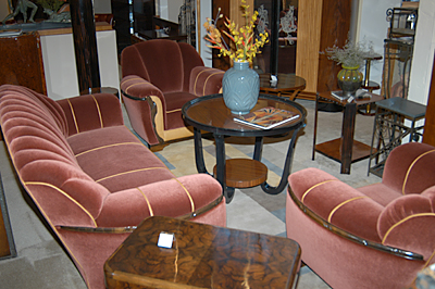Two-toned mohair and leather sofa suite