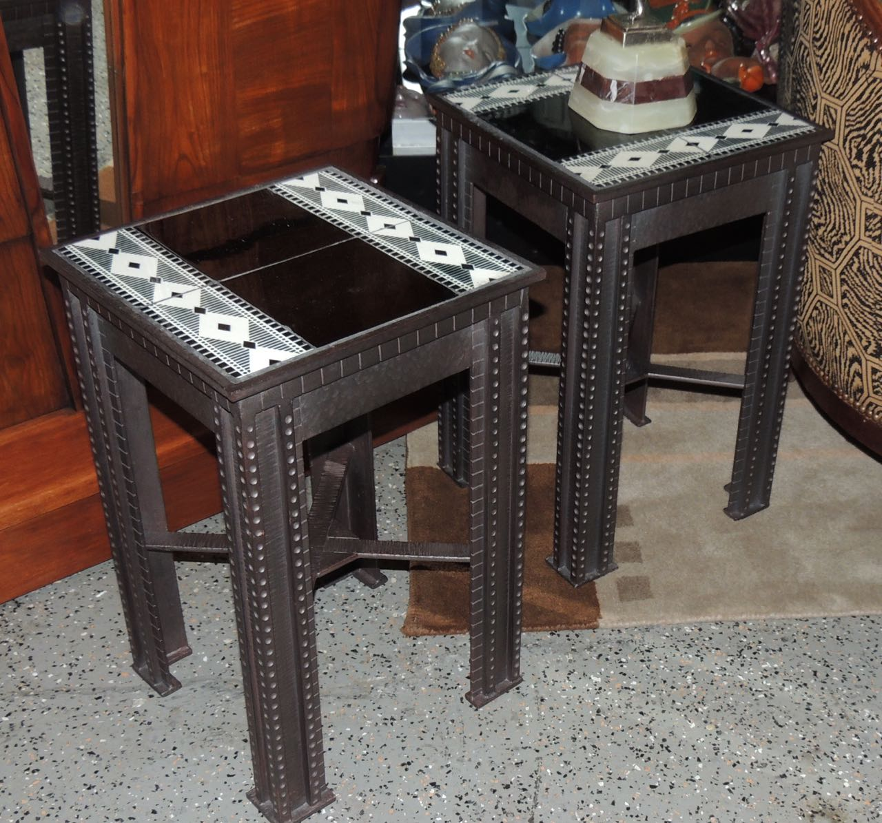 Hand wrought iron art deco table with tiles sold items for Petite table deco